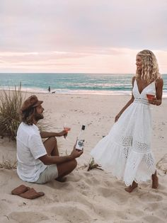The love story behind Elise Cook and Domenic Palumbo California Outfits, California Clothes, Honeymoon Outfits, Only Clothing, Bohemian Blouses, Boyfriend Pictures, Summer Memories, Photo Checks, Summer Baby