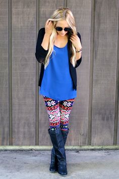 Patterned leggings with oversized tee and a cardigan. LOVE this look for Fall!
