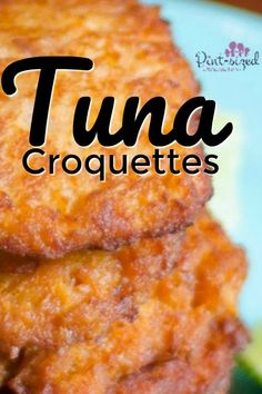 These gorgeous, 20 minute tuna croquettes are bursting with spices and flavors! Panko bread crumbs are added for the absolute best crunch! Dig into some tun croquettes today and enjoy a super-simple meal that's ready in less than 20 minutes! Baked Salmon Recipes, Sushi Recipes, Seafood Recipes, Cooking Recipes, Recipes For Tuna, Meals With Tuna, Sandwich Recipes, Easy Recipes, Recipes