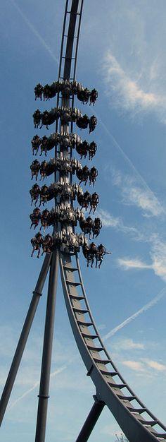 Thorpe Park -  The Swarm (England, UK) @ http://youtu.be/oNfuYSE2UU4