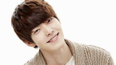 Kim Woo Bin plays up the bromance in new teasers for Twenty --- omg, i think i want to see this!