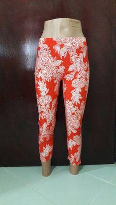Red Paisley Leggings Capri Pants Short Leggings Yoga Pants Fitness Leggings Running Leggings Women Fashion Capri Street Fashion