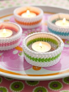 Crochet small pouch to ordinary glass votives, select your favorite colors and make several pieces