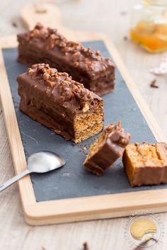 Pain d'épices moelleux, marmelade, chocolat au lait, noix caramélisées au grué de cacao et à la fleur de sel www.sucredorgeetpaindepices.fr