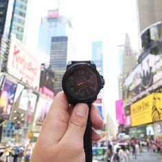 Z wizytą w Nowym Yorku.  #watch#watches#hugobosswatch  #bossorangewatch#ncystyle #bosswatches #butikiswiss  #dlaniego