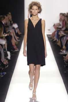 Oscar de la Renta Spring 2007 Ready-to-Wear Fashion Show - Flavia De Oliveira