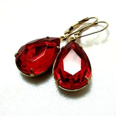 Red.    Light Siam Red Vintage Rhinestone Earrings 14K by ZhivanaDesigns