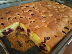 Ja samo mijenjam koje je voće u sezoni. Strawberry Recipes, Fruit Recipes, Sweet Recipes, Baking Recipes, Cookie Recipes, Dessert Recipes, Albanian Recipes, Croatian Recipes, Albanian Food
