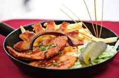 Egy tradicionális Magyar étel, elronthatatlan receptje. Hozzávalók: 1 kg tarja 30 dkg füstölt szalonna 8 gerezd fokhagyma legalább fél kg vöröshagyma só ,bors pirospaprika Elkészítése:[...]