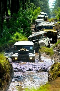 - IT'S ALL ABOUT #LAND_ROVER :)
