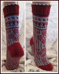 Ravelry: tiri's Nisse-Jul (no pattern) by ernestine Crochet Socks, Knitting Socks, Hand Knitting, Knit Socks, Knit Crochet, Advent, Sock Crafts, How To Purl Knit, Boot Cuffs