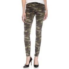 €71, Pantalon slim camouflage olive Fade to Blue. De Last Call by Neiman Marcus. Cliquez ici pour plus d'informations: https://lookastic.com/women/shop_items/94057/redirect
