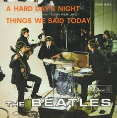 Image reproduction of the covers of all the discs 45 rpm singles published by The Beatles in Italy during the activity years of the Liverpool group. Beatles Singles, The Beatles, Beatles Books, Beatles Art, Music Graffiti, Beatles Album Covers, Liverpool, A Hard Days Night, Im A Loser
