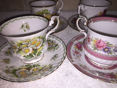 BEAUTIFUL VINTAGE LOT OF  6 DECORATED TEA CUPS AND SAUCER SETS! -GREAT CONDITION