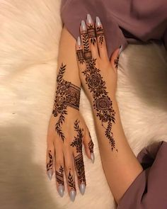 Here are some latest henna designs inspiration. Pretty Henna Designs, Modern Henna Designs, Indian Henna Designs, Henna Tattoo Designs Simple, Finger Henna Designs, Mehndi Designs 2018, Henna Designs Easy, Mehndi Designs For Hands, Tribal Henna Designs