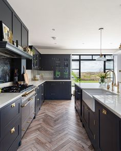 How nice is this view? The gorgeous porcelain tiled parquet floor (customer supplied) makes for a h Kitchen Room Design, Modern Kitchen Design, Kitchen Layout, Home Decor Kitchen, Interior Design Kitchen, Home Kitchens, Shaker Kitchen, Open Plan Kitchen Dining Living, Open Plan Kitchen Diner