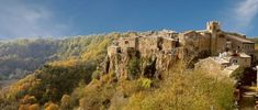 Explored the Rock 'n' Roll Medival town of Calcata (Viterbo), Lazio Cinque Terre, Woodstock, Cool Places To Visit, Places To Go, Costa, Best Of Italy, Italy Travel, Alter, The Locals