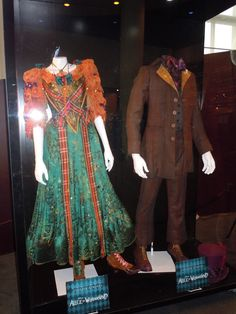 Original Alice in Wonderland movie costumes Alice In Wonderland Garden, Alice In Wonderland Costume, Movie Costumes, Halloween Costumes, Colleen Atwood, Fairytale Gown, Alice Costume, Alice Liddell, Whimsical Fashion