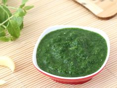 Mint Chutney with Garlic and Coriander - A simple and easy to make condiment that you can put to multiple use.