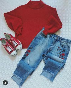 Fashion Beauty Lifestyle : This Christmas Try Mickey Mini Looks :- AwesomeLif. Cute Outfits For School, Cute Comfy Outfits, Classy Outfits, Outfits For Teens, Stylish Outfits, Fall Outfits, Summer Outfits, Fashion 101, Cute Fashion