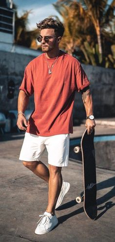 White Sneakers – The History and Comeback of the Cool White Sneakers Rotes T-Shirt Weiße Shorts und weiße Turnschuhe Summer Shorts Outfits, Casual Summer Outfits, Short Outfits, Mens Summer Shorts, Men's Summer Clothes, Cool Clothes For Men, Dressy Outfits, Korean Outfits, Chic Outfits