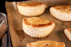 Chloé Délice: Chaussons aux pommes & caramel beurre salé