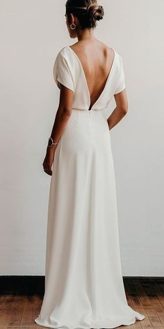 White wedding dress. All brides dream of finding the perfect wedding, however for this they require the most perfect wedding gown, with the bridesmaid's dresses complimenting the wedding brides dress. The following are a variety of tips on wedding dresses.