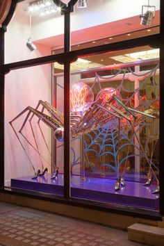 """The Louboutin Itsy Bitsy spider"" project"