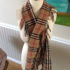"Nova check scarf 100% wool, excellent condition!  Cute fringe nova check scarf.  Measures 60"" long Lizard Accessories Scarves & Wraps"