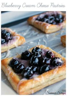My Blueberry cream cheese pastries are a delicious pastry that has a layer of cr. - My Blueberry cream cheese pastries are a delicious pastry that has a layer of cream cheese, a handf - Biscotti, Cream Cheese Pastry, Cream Cheese Danish, Choux Pastry, Dessert Crepes, Yummy Treats, Yummy Food, Healthy Food, Puff Pastry Recipes