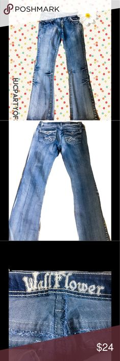 NWOT WALLFLOWER JEANS, SIZE 9, Juniors NWOT WALLFLOWER JEANS, SIZE 9, Juniors Wallflower Jeans Flare & Wide Leg