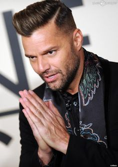 Ricky Martin, Music Artists, Sexy, Fashion, Singers, February, Men Fashion, Poster, Moda
