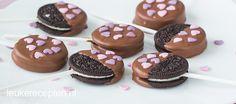 Oreo valentijn pops Cookie Recipes, Dessert Recipes, Desserts, High Tea Food, Chocolate Quotes, Savory Pastry, Breakfast Snacks, Oreo Pops, Four