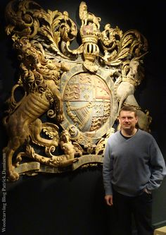 TEFAF 2019 | Art and Antiques Fair Maastricht | Woodcarver Patrick Damiaens | heraldic sculptor | coat of arms carved in wood Old World Furniture, Antique Fairs, Lion Art, Star Citizen, Crests, Coat Of Arms, Sculpture Art, Carving Wood, Wood Carvings