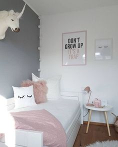 43 cute and girly bedroom decorating tips for girl 24 Small Bedroom Ideas Bedroom cute Decorating Girl Girly Tips Cute Bedroom Ideas, Cute Room Decor, Girl Bedroom Designs, Bedroom Themes, Room Decor Bedroom, Girls Bedroom, Teen Bedroom Colors, Bedroom Ideas For Teen Girls Small, Girl Rooms