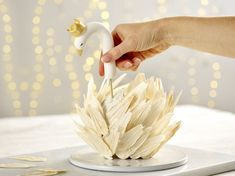 Our magnificent swan cake is surprisingly easy to put together and makes a stunning showstopper for a Nutcracker-themed festive party. Cake Decorating Designs, Creative Cake Decorating, Cake Decorating Techniques, Creative Cakes, Cake Designs, Fancy Cakes, Cute Cakes, Pretty Cakes, Bird Cakes