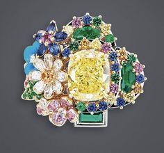 DIOR Yellow Diamond Queen's Hamlet ring