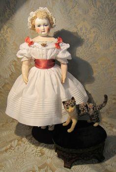 MLLE BEREUX on Ruby Lane http://www.rubylane.com/item/578354-0ABE/French-Fashion-White-Cotton-Mode #antiquedoll