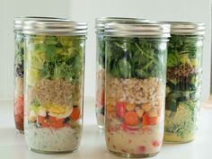 How to make a different mason jar salad for every week day!
