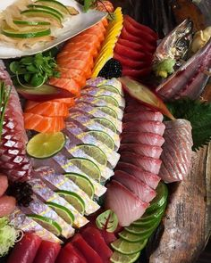 Very nice selection of sashimi made by @parkresto   See sashimi tutorials on buff.ly/2uQA3uh Make Sushi http://ift.tt/2v15hiJ