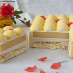 Sunny: biscuit, bavarese al basilico e vaniglia, gelée alla pesca e croccantino