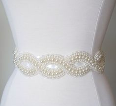 So simple but elegant! i want this to add a little flare to my wedding dress!