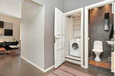 Komero pesukone- ja kodinhoitohuoneena! Genius!