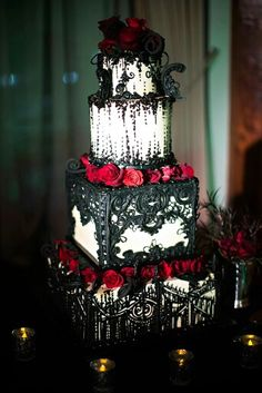 FAVORITE CAKE IDEA! The detail on this cake makes it amazing.