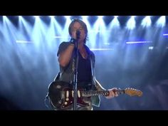 you tube keith urban tribute to bee gees