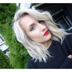 Tressa Yanchuk: Impossible not be in love with this color! ☃Ice blonde for my birthday tomorrow ! Ash Blonde Hair, Platinum Blonde Hair, Balayage Hair, Hair Dos, Pretty Hairstyles, Her Hair, Hair Inspiration, Short Hair Styles, Hair Makeup