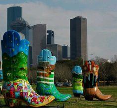 Houston skyline with some big ass Texas sized boots. Texas Roadtrip, Texas Travel, Travel Usa, 3d Street Art, Houston Skyline, Ohio, Oklahoma, Portrait Studio, Texas Pride