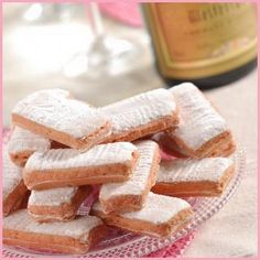 Biscuits roses de Reims, fabulous with champagne!