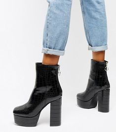 7 Trendy & Stylish Vegan Platform Boots You'll Love to Wear High Heel Combat Boots, Combat Boot Outfits, Heeled Boots, Black Platform Boots, Platform High Heels, Black High Heels, High Heels Plateau, Rolled Up Jeans, Vegan Boots
