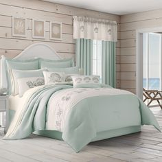Discover the best coastal bedding sets and beach bedding sets. You will love our beach home bedding sets like comforters, quilts, and duvet cover sets. Aqua Bedding, Coastal Bedding, Coastal Bedrooms, Luxury Bedding, Beach Bedrooms, Coastal Decor, Theme Bedrooms, Boho Bedding, Aqua Bedrooms